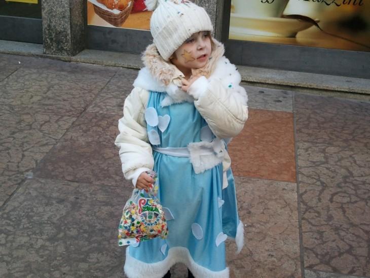 Costume da Frozen… fai da te  84bbe9e68da