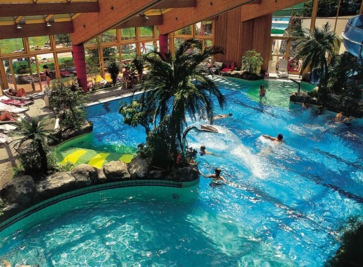 Giornata in piscina ecco 5 idee il trentino dei bambini for Piscine x bambini