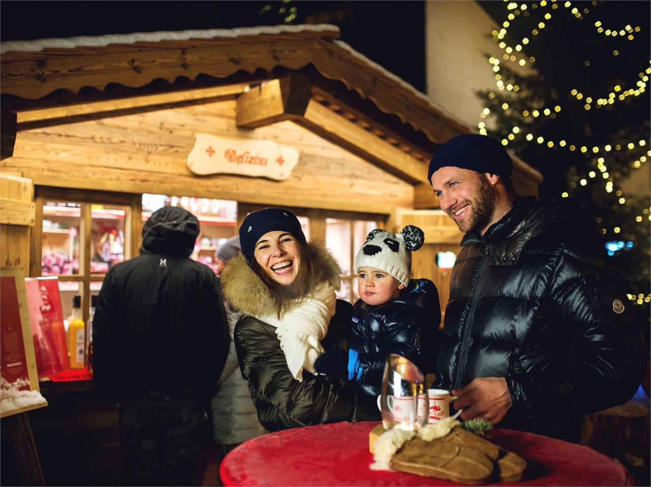 paisc-da-nad-weihnachtsmarkt-san-cassiano_1