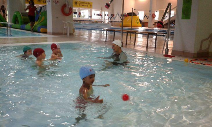 Vasca Da 25 Metri Tempi : Piscina di predazzo il trentino dei bambini