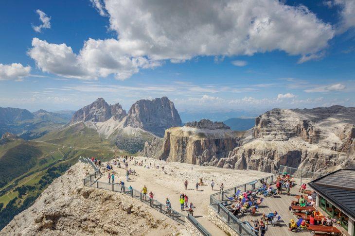 Val Di Fassa Sulla Terrazza Delle Dolomiti Il Trentino